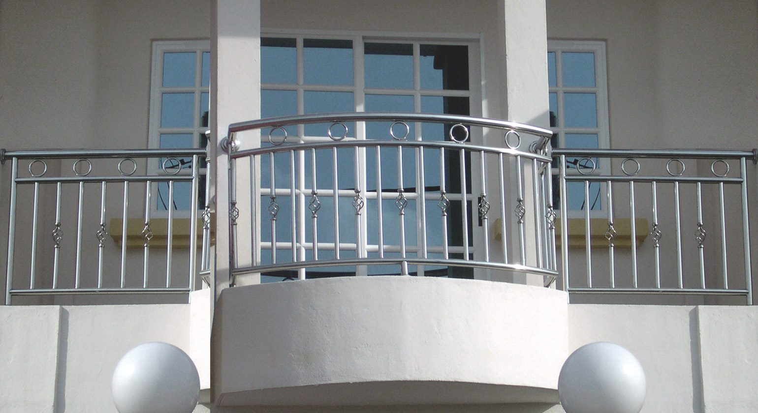 Plus rail tech company steel plus railing solution steel for Balcony company